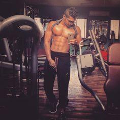 ماشاءالله تبارك الله  _Never give up on something u have dreamed for ! Fight for it  no matter what will happen to you !  The way for Success comes when you fall down  even if u fall down many times don't stop fighting. You can do it and u'll always find the way to reach the top of ur dreams .. - #abs #workout #lift #budy #budybilding #strong #helthy #hardwork #gym #t1d #trainhard #lifestyle #bestmode #cardio #pain #gain #diabetic by 3bady01
