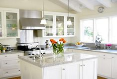 Kitchen countertops with white cabinets dream white kitchen granite kitchen island White Galley Kitchens, White Granite Kitchen, White Granite Countertops, White Kitchen Cabinets, Kitchen Countertops, Home Kitchens, Kitchen Backsplash, Glass Cabinets, Kitchen Island