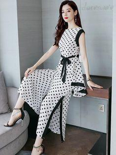 Fashion Drawing Dresses, Korean Fashion Dress, Fashion Dresses, Modest Dresses, Stylish Dresses, Stylish Outfits, Fancy Kurti, Modelista, Up Girl