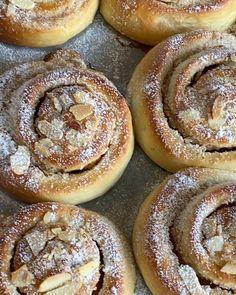 Suksessmuffins (Suksesscupcakes)   Det søte liv Lemon Bars, Frisk, Doughnut, Hamburger, Bread, Desserts, Food, Tailgate Desserts, Deserts