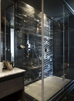 Bathroom Design Idea – 5 Ways To Add Marble To Your Bathroom Bathroom Design Idea – 5 Ideas For Adding Marble To Your Bathroom // Shower Surround – This bathroom features black marble for a dramatic effect. Bathroom Design Small, Diy Bathroom Decor, Bathroom Remodeling, Remodeling Ideas, Bathroom Designs, Bathroom Ideas, Gold Bad, Black And Gold Bathroom, Black Tub