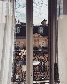 ❤️ #Paris  Instagram: @Lurelly