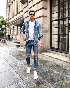 """2,605 Me gusta, 82 comentarios - Chris (@christopherbark) en Instagram: """"Such a fan of wearing denim Had such a relaxed day in the spa hope you too """""""