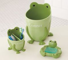 Pottery Barn Kids offers kids & baby furniture, bedding and toys designed to delight and inspire. Frog Bathroom, Bathroom Sets, Light Green Bathrooms, Frog Crafts, Frog And Toad, Pottery Barn Kids, Pottery Ideas, Baby Furniture, Bathroom Accessories