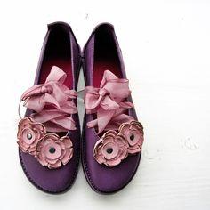 Pin de Lameesah Islam en Shoes en 2019   Zapatos tenis para