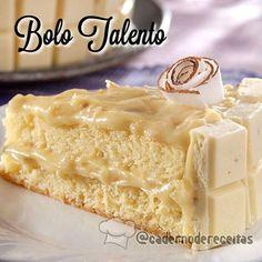 Bolo TALENTO Coco e Castanha-do-pará . Massa: ½ tablete de manteiga sem sal (100 g) 200 g de açúcar refinado (1 ¼ xícara de chá) 2 ovos tipo extra (claras e gemas separadas) ½ colher (chá) de essência de baunilha (3 g) 50 g de Cobertura de Chocolate Branco GAROTO derretida 14 colheres (sopa) de farinha de trigo (140 g) ½ colher (chá) de fermento em pó 1 pitada de sal 100 ml de leite integral UHT (½ xícara de chá) 25 g de coco ralado sem açúcar Recheio e decoração: 2 latas de leite…
