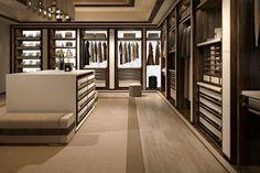 Via Montenapoleone – Ludovica Mascheroni Walk In Closet Design, Bedroom Closet Design, Closet Designs, Home Room Design, Dream Home Design, Bathroom Interior Design, Dream Closets, Dream Rooms, Wardrobe Room