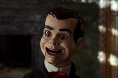 Goosebumps Haunted Halloween movie still. See the movie photo now on Movie Insider. Haunted Halloween, Halloween Movies, Halloween 2018, Halloween Costumes, Goosebumps 2, Slappy The Dummy, Dummy Doll, Movie Photo, Anime Characters