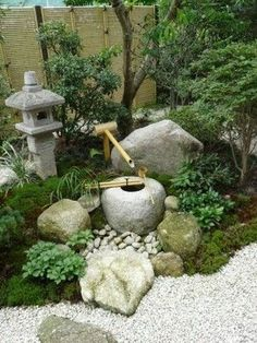 99 Fabulous Mini Zen Garden Design Ideas - Miniature Zen gardens were created originally by the Japanese, and they take on significant natural and artificial elements for peace. They are design. Japanese Garden Backyard, Japanese Garden Landscape, Small Japanese Garden, Mini Zen Garden, Japan Garden, Japanese Garden Design, Japanese Gardens, Japanese Bamboo, Zen Rock Garden