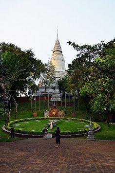 Phnom Penh, Cambodia Laos, Vacation Destinations, Vacations, Tonle Sap, Khmer Empire, Need A Vacation, Phnom Penh, Beautiful Architecture, Culture Travel