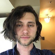 jacobhkhan-long-hair-men-chin-length-man-bob - Gurilla