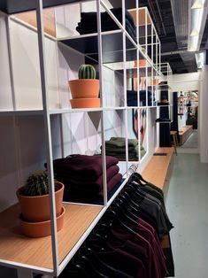 SUIT Shop in Shop Concept. #Norbec_Design