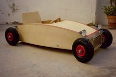 Nituniyo - coche de madera Soap Box Derby Cars, Soap Box Cars, Wood Car, Wooden Go Kart, Wood Projects, Woodworking Projects, Ride On Toys, Pedal Cars, Wood Working For Beginners