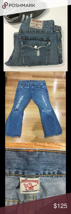 """True Religion Big Rig Men's Jeans Used. Wear to cuffs. All other rips are part of jean style. Waist 38 . length has been altered to approx 29"""". ⭐️Make an offer using the offer button or take advantage of my bundle discount! 🚫Trades True Religion Jeans"""
