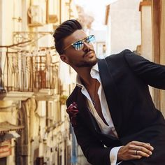 """Gefällt 254.4 Tsd. Mal, 1,469 Kommentare - Mariano Di Vaio (@marianodivaio) auf Instagram: """"In the streets of #Naples new @mdvcollection sunglasses collection! Do you like it? Check the new…"""""""
