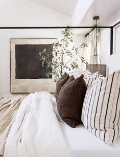 Home Bedroom, Modern Bedroom, Bedroom Ideas, Neutral Bedroom Decor, Neutral Bedrooms, Woodsy Bedroom, Minimal Bedroom Design, Loft Style Bedroom, Neutral Bedding