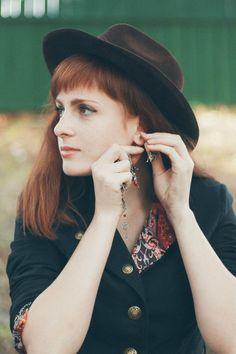 Sub Rosa. Vagrant actors. Gypsy. #Gypsy #Red_hair #vagrant_actors