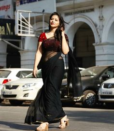 black plain georgette saree ready to wear custom made velvet red blouse womens wedding party wear sa Indian Beauty Saree, Indian Sarees, Red Blouses, Blouses For Women, Plain Georgette Saree, Cotton Saree, Satin Saree, Net Saree, Velvet Saree