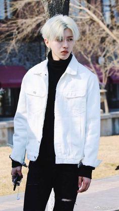 Why u looking mad bro Asian Boys, Asian Men, Produce 101, Got7, Eunwoo Astro, Anime Love Couple, Cute Actors, Chinese Boy, Chanbaek