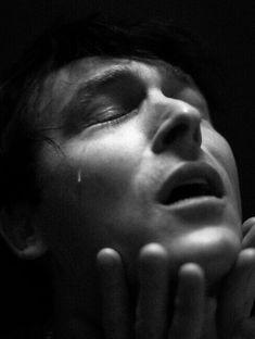 Now I'm crying in school Gotham Tv Series, Gotham Cast, Sherlock, Penguin Gotham, Robin Taylor, Alone In The Dark, The Last Kingdom, Gotham Girls, Baby Penguins
