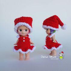 🎅พร้อมส่ง 2 ชุด🎁 ชุดหนึ่งร้อย บาท พร้อมหมวก 🏠บ้านนี้มีแต่ของน่ารัก มีแบบชุดให้เลือกมากมาย เชิญชมห้องนี้ค่ะ #Costumedoll_by_CatusHouse สนใจ ถูกใจ สอบถามได้นะคะ  Line id: catushouse  #cute & #craft #crochet #sonnyangelkorea #toythailand #handcraft #doll #toythai #sonnyangel #sonnyangeljapan #sonnyangelthailand #minifigure #sonnyangels #outfitdoll #custom #handmade #crocheted #handicraft #craft #cutedoll #cute #kawaii #bee #sonnyangelsecret #merrychristmas