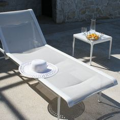 Richard Schultz 1966 Adjustable Chaise Lounge White Frame White Mesh and Strap