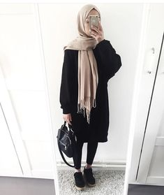 Fashion hijab hijab fashion in 2019 хиджаб шик, мода на хиджабы, Muslim Fashion, Modest Fashion, Hijab Fashion, Trendy Fashion, Fashion Outfits, Fashion Wear, Fashion Black, Fashion Fashion, Autumn Fashion
