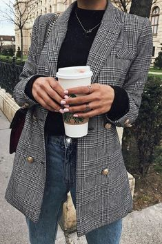 Plaid blazer fall outfits cute outfits back to school school outfits turtleneck outfits high waisted jeans women's fashion Look Blazer, Plaid Blazer, Fall Blazer, Checked Blazer, Plaid Coat, Fall Winter Outfits, Autumn Winter Fashion, Winter Street Fashion, Cold Weather Outfits