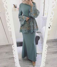 Hijab outfit for occasions Islamic Fashion, Muslim Fashion, Modest Fashion, Fashion Dresses, Formal Fashion, Hijab Dress Party, Hijab Outfit, Muslim Shop, Dress Skirt