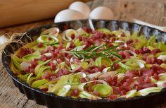 Wil jij lekkere koolhydraatarme quiche maken? Deze hartige taart prei moet je zeker een keer proberen! Snel én gezond.