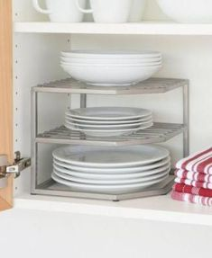Home Decor Ikea DIY Kitchen Organization Ideas Small Kitchen Organization, Diy Kitchen Storage, Kitchen Hacks, Organizing Kitchen Cabinets, Kitchen Organizers, Organizing Small Kitchens, Medicine Organization, Organizing Ideas For Kitchen, Kitchen Gadgets