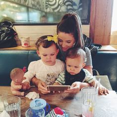 Had a lovely day with the SacconeJoly fam (@annasaccone @jonathanjoly) and @pointlessblog of course! Not sure who enjoyed watching frozen songs on my phone more... ❄️