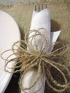 Burlap placemats and napkin rings. I like the placemats - a good Sunday afternoon project perhaps.