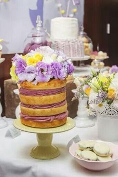 Naked cake layer. Coloured frosting