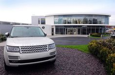 Land Rover delivers first new Range Rover Jaguar Land Rover, Range Rover, Car Show, Landing, News, Range Rovers