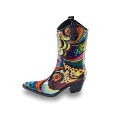Talolo Boots: Seriously cool funky festival Wellies for Women! The original Cowboy style Welly boot that looks great wherever you wear them ! Take a look Funky Wellies, Wellies Boots, Festival Wellies, Waterproof Winter Boots, Wellington Boot, Look Chic, Bliss, Rubber Rain Boots