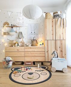Had a little makeover in Theo's room and changed Ivar around. Now all the toy… – Babyzimmer