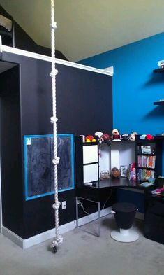 Cool Boys Rooms playroom climbing rope & climbing wall might prevent rapelling
