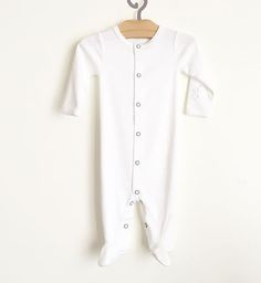 birth gift pima cotton baby clothes  melopima  justborn  fairtrade  cutebaby pimacotton babygifts babyshower babyclothes pajamas