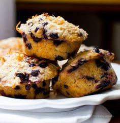 Double Coconut Blueberry Muffins - vegan, make w gf flour Vegan Treats, Vegan Snacks, Vegan Desserts, Vegan Recipes, Healthier Desserts, Vegan Food, Coconut Muffins, Vegan Muffins, Double Coconut