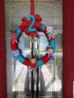 Daniel Tiger Party Wreath - DIY