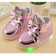 2016 new boys girls casual shoes with flash LED children's breathable running shoes sport shoes cartoon KT Cat fashion sneakers