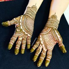 The World's Top Fashion Trends With Top Fitness Models Mehandi Henna, Leg Mehndi, Full Hand Mehndi, Legs Mehndi Design, Mehndi Designs For Hands, Henna Tattoo Designs, Mehndi Art, Mehandi Designs, Mehendi