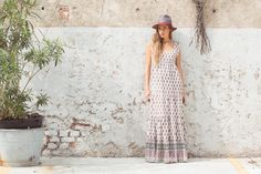 Amalfi Hat, Amarena. Janis Dress Santa Fe Print, Natural.