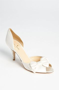 Simple and sweet Kate Spade bridal shoe #wedding #bow