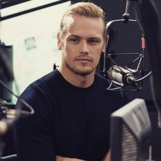 New pic of @SamHeughan doing press added: http://wp.me/p57847-7ES
