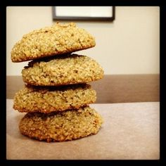 Oat Bran Cookies Can I just tell you how freaking excited I am for these cookies? They are low-fat, low-carb, AND dukan-friendly! Not to mention one cookie will give you your full 2 tbs of daily oat bran. Diet Desserts, Low Carb Desserts, Healthy Desserts, Small Desserts, Healthy Cookies, Easy Desserts, Dukan Diet Recipes, No Carb Recipes, Cookie Recipes