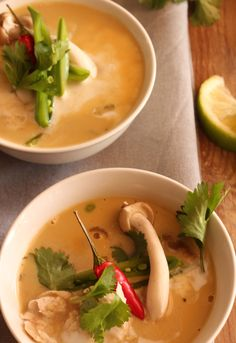 Chicken & porcini mushroom broth. Comfort food. healthy dinner ideas. Winter comforts. Porcini Mushrooms, Stuffed Mushrooms, Green Zucchini, Mushroom Broth, Thai Red Curry, Dinner Ideas, Soup, Chicken, Healthy
