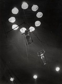 Brassaï, Au cirque Medrano, 1932 from RMN [ more Brassai, more circus ] Henry Miller, Pantomime, Brassai, History Of Photography, French Photographers, Robert Doisneau, Light And Shadow, Magazine Art, Surrealism