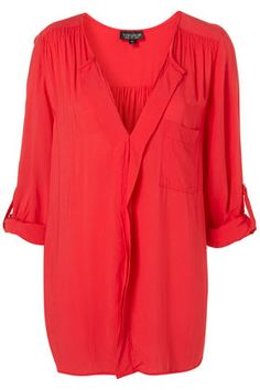 Perfect blouse shirt. Add this to skinny jeans and boots and a scarf and you have a stylish outfit for Fall.